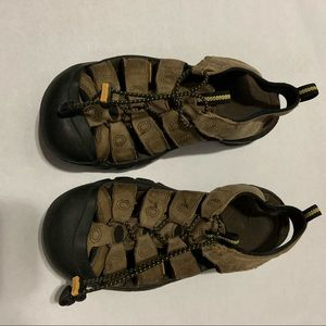 Men's keen waterproof sport sandals size 8.5